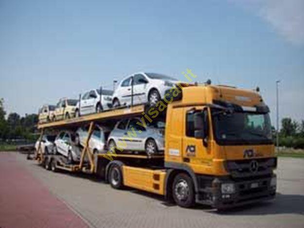 Immagine di Trasporto veicoli per conto terzi.