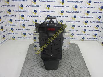 Immagine di PARAFANGO POSTERIORE MOTO CON PORTA TARGA YAMAHA X MAX 250 -2005-